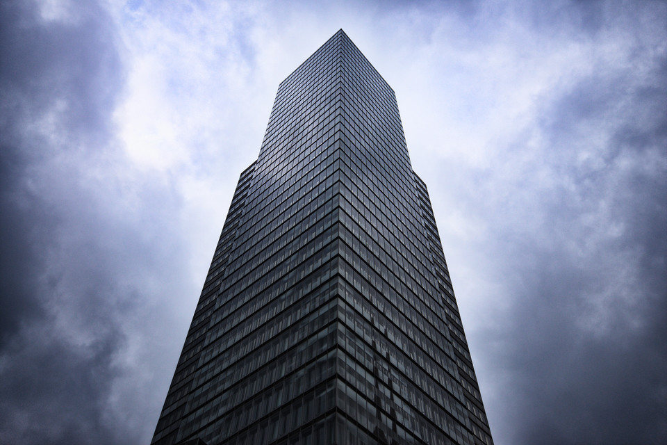 Wolken über dem KölnTurm