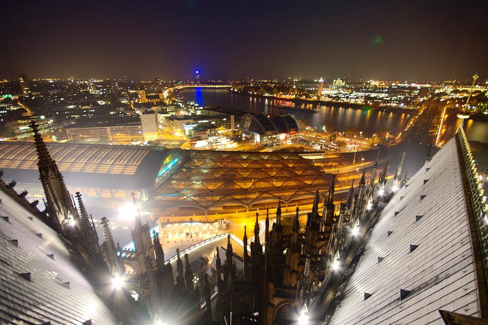 Kölner Norden bei Nacht