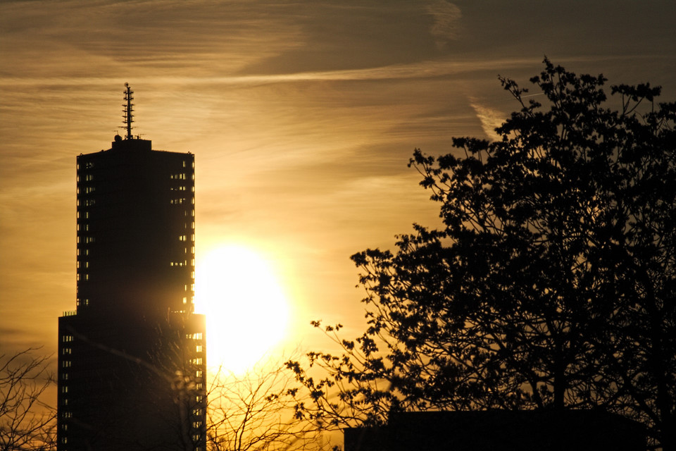 Sonnenaufgang hinterm KölnTurm
