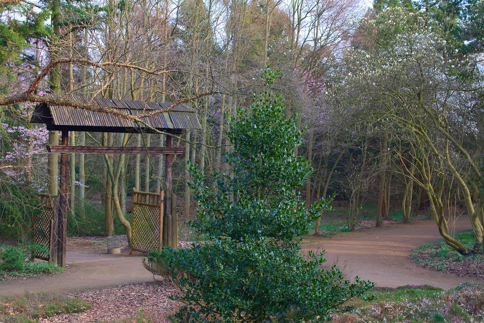 Tor im Forstbotanischen Garten